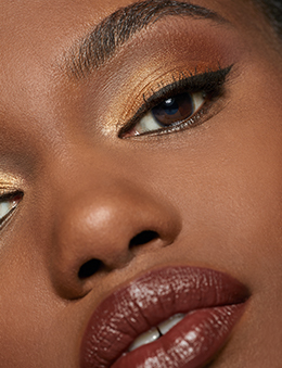 Model with Caviar Stick Eye Color - Shimmer